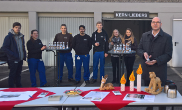 KERN-LIEBERS trainees proudly present their donation stand