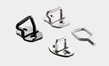 Schließbügel als Haltemelement für Türschlösser und Motor- bzw. Heckklappen im Bereich Automotive